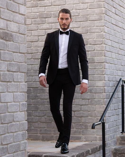 חליפה שחורה לגבר קורליאני לאירוע ערב