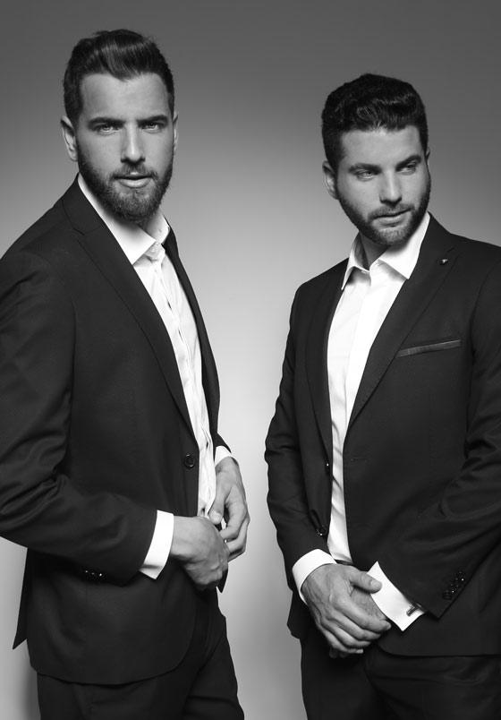 חליפת ארמני מימין | חליפת ורסאצה משמאל