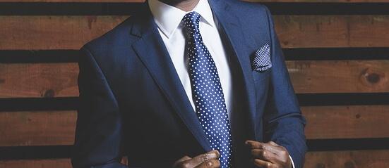 חליפת גברים קלאסית