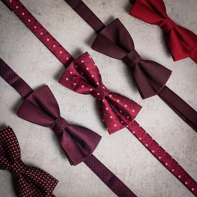 עניבות פרפר בצבע בורדו