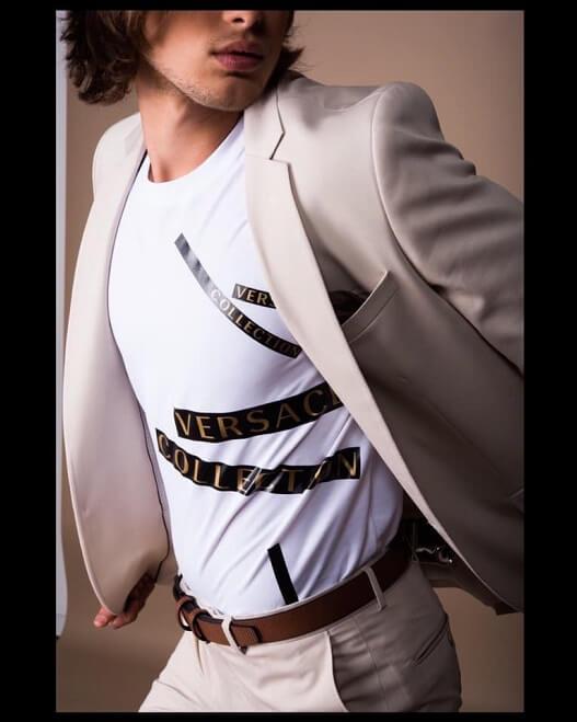 חולצה לגבר לבנה מהמותג VERSACE